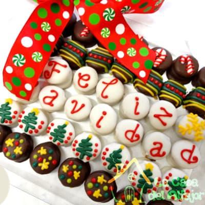 i-quiero.com - Alfajores para Navidad a Empresas - Codigo:AFN13 - Detalles: Deliciosos alfajores grandes de 4cm c/u rellenos con exquisito manjar blanco, la decoracion es en exquisita masa elastica, cada uno viene en elegante elvoltura de aluminio y la presentacion es en caja de regalo. Cantidad: 42 unidades - - Para mayores informes llamenos al Telf: 225-5120 o 476-0753.