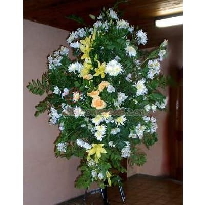 Desayunosperu.com - Arreglo Corporativo 02 - Codigo:AGP02 - Detalles: Composici�n floral compuesta por flores de estaci�n y liliums. el arreglo tiene una altura de 2.4m Se debe solicitar con m�nimo 24 horas de anticipaci�n.  - - Para mayores informes llamenos al Telf: 225-5120 o 476-0753.