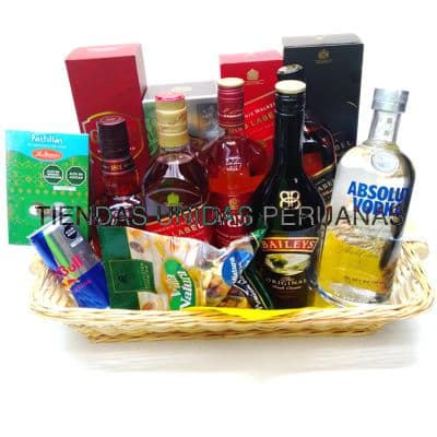Grameco.com - Canasta A�o Nuevo 12 - Codigo:ANN12 - Detalles: Canasta de mimbre, incluyendo: