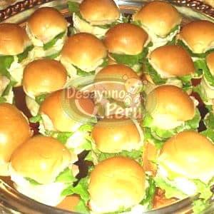 29 Sandwichs y gaseosa
