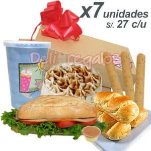 Diloconrosas.com - DesayunoPeru x 7 - Codigo:CJP04 - Detalles: 7 exquisitos Desayunos conteniendo cada uno: Caja de regalo, jugo especial de fruta, s�ndwich mixto en pan especial, postre suspiro, porci�n de palitos. Juego de cubiertos y tarjeta de dedicatoria. - - Para mayores informes llamenos al Telf: 225-5120 o 476-0753.