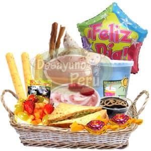 Diloconrosas.com - Suspiro a la Lime�a - Codigo:CJP22 - Detalles: Cesta Gourmet conteniendo tres palitos de queso, s�ndwich triple, ensalada de frutas, porci�n de yogurt, juego de frutas, postre de chocolate, bomb�n de cortes�a, incluye delicioso postre de suspiro a la lime�a y un globo grande de 20cm de di�metro con el mensaje Feliz d�a. - - Para mayores informes llamenos al Telf: 225-5120 o 476-0753.
