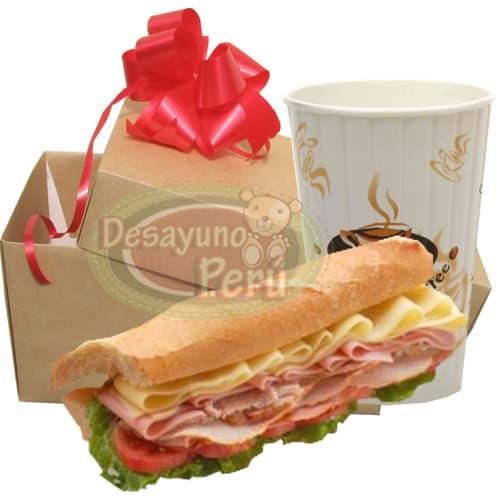 Diloconrosas.com - Grosso Peruanisimo 40cm - Codigo:CJP25 - Detalles: 40cm de delicioso s�ndwich mixto de jamones y queso, vaso de refrescante jugo de frutas. El presente viene en una caja de regalo. Incluye tarjeta de dedicatoria. Este presente se prepara a base de pan baguette, debe ordenarse solo para el horario de 9 a 12 del medio d�a. si lo ordena para intervalos mas tempranos el presente se prepara a base de 4 panes Bimbo especiales de jam�n y queso.  - - Para mayores informes llamenos al Telf: 225-5120 o 476-0753.