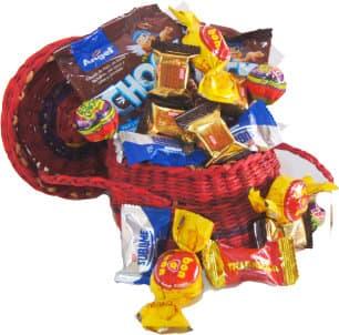 I-quiero.com - Premium Box Chocolates - Codigo:DMA44 - Detalles: Exquisita cesta hecha a mano segun imagen, en vistos tonos, incluye 10 miniprincesas, 10 minisublimes 4 bonobons, 2 chupetes, 2 dos porciones de cereal.  - - Para mayores informes llamenos al Telf: 225-5120 o 476-0753.