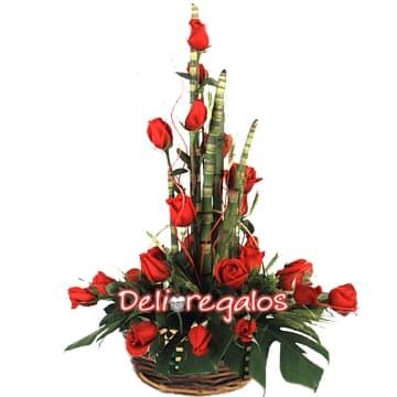 Rosas Importadas a Domicilio | Arreglo a base de Rosas Importadas | Florerias - Whatsapp: 980-660044