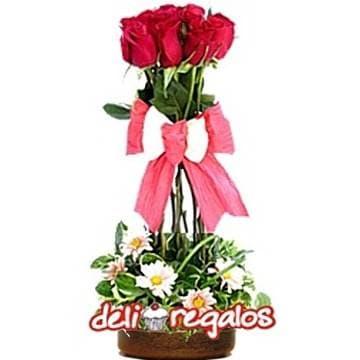 Tortas.com.pe - Topiario de Rosas - Codigo:AGT43 - Detalles: Elegante Topiario de 6 rosas importadas, lazo en cinta Twist, follaje de estacion en base ceramica. - - Para mayores informes llamenos al Telf: 225-5120 o 476-0753.