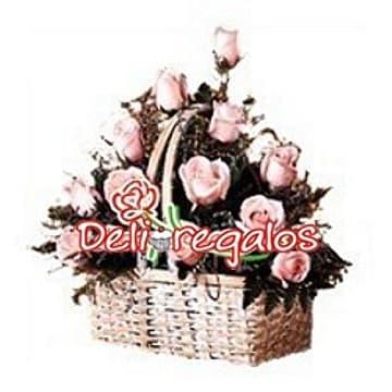 Canasta con Rosas Blancas - Cod:ARL47