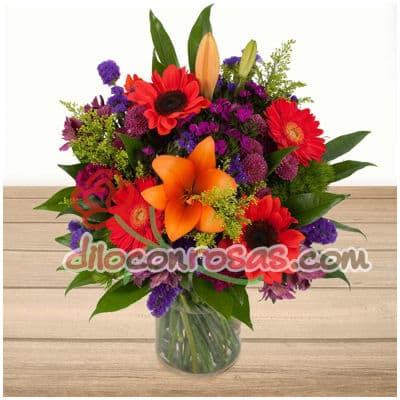 I-quiero.com - Floral Gala - Codigo:ENL14 - Detalles: Arregl floral en base de vidrio, 4 liliums especiales, girasoles, margaritas, flores y follaje de estacion.  El presente incluye una tarjeta de dedicatoria. - - Para mayores informes llamenos al Telf: 225-5120 o 476-0753.