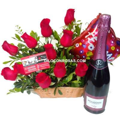 I-quiero.com - Felicidad Dia - Codigo:ENL01 - Detalles: Arreglo floral en base ceramica. Flores y Follaje de estacion. El presente incluye una tarjeta de dedicatoria. - - Para mayores informes llamenos al Telf: 225-5120 o 476-0753.