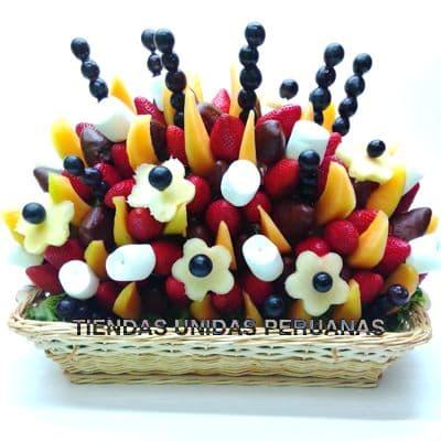 Arreglos Frutales Delivery | Frutero con Chocolate y Fresas en Canasta - Cod:FCF06