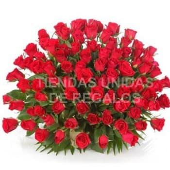 Grameco.com - Gran arreglo de 100 Rosas - Codigo:GCM06 - Detalles: Base de ceramica, 100 rosas importadas segun imagen. altura del arreglo de 70cm. Incluye tarjeta de dedicatoria y follaje de estaci�n. - - Para mayores informes llamenos al Telf: 225-5120 o 476-0753.
