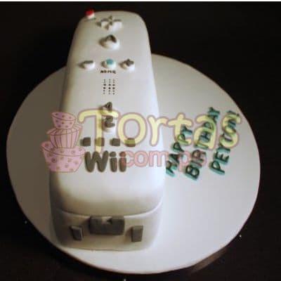 Desayunosperu.com - Torta Mando Wii 09 - Codigo:JVD09 - Detalles: Torta hecha a base de queque De Vainilla  ,    en manjar blanco, forrado y decorado en su totalidad con masa el�stica. Mide  20 X10. Base forrada en papel aluminio.  - - Para mayores informes llamenos al Telf: 225-5120 o 476-0753.
