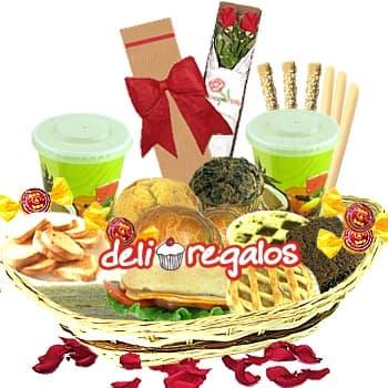 Amor Latino - Codigo:LOS06 - Detalles: Bandeja de Mimbre, 2 Jugos de Frutas, 4 Rosquillas, 1 Caf� Personal, Tartaleta de Manzana, Tartaleta de Suspiro, 10 Tostaditas, 3 Palitos de Queso, 3 Palitos de Ajonjoli, Pan Bimbo especial de Lomito Ahumado, Triple de Jamon Queso y Pollo, Brownie, 4 Bombones, 1 Muffin de Chocolate, 1 Muffin de Naranja, 4 Sachets de Azucar, Tarjeta de Felicitacion, 1 Caja de 2 Rosas., Juego Cubiertos - - Para mayores informes llamenos al Telf: 225-5120 o 980-660044.
