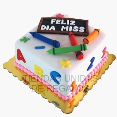 Tortita Miss - Codigo:MAE09 - Detalles: Deliciosa torta a base de queque De Vainilla, toda la decoracion es en masa elastica y el libro es de medidas 10cm xv10cm. Incluye cartelito de feliz dia, y tizas de azucar. la base es en aluminio. - No incluye masa elastica en la base. - - Para mayores informes llamenos al Telf: 225-5120 o 980-660044.