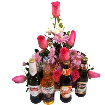 Arreglo con Rosas y Cervezas Importadas | Canastas de Regalo para Mujeres - Whatsapp: 980-660044