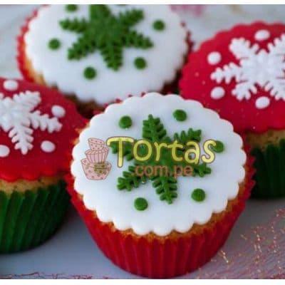i-quiero.com - Cupcakes Navide�os - Codigo:NAC08 - Detalles: 4 deliciosos muffins de vainilla decorados con masa el�stica - - Para mayores informes llamenos al Telf: 225-5120 o 476-0753.