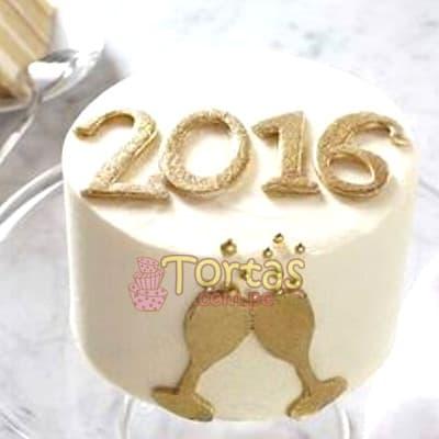 I-quiero.com - Torta Nueva 13 - Codigo:NYR13 - Detalles: Delicioso keke De Vainilla ba�ado con manjar blanco y forrado con masa elastica.  Incluye decoracion segun imagen Tama�o: 10cm x 10cm incluye numero y copas de azucar. - - Para mayores informes llamenos al Telf: 225-5120 o 476-0753.