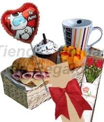 Desayuno con Rosas y Globo Metalico - Cod:OFE12