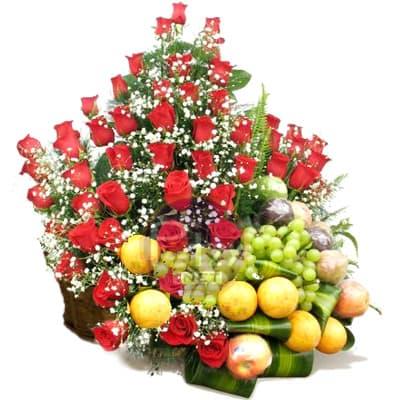 Arreglo de Frutas con Rosas Importadas | Arreglos de Frutas con Rosas - Whatsapp: 980-660044