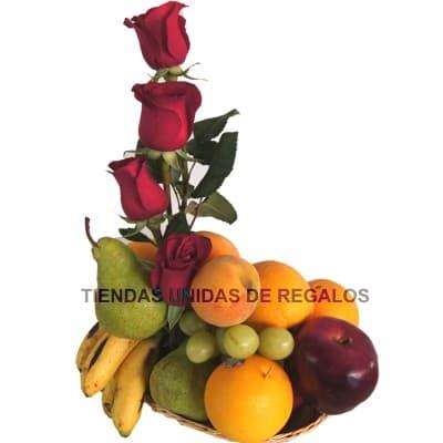 Arreglo de Rosas con Frutas de Estacion | Arreglos de Frutas con Rosas - Whatsapp: 980-660044