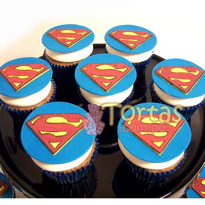 Diloconrosas.com - Cupcakes Superman 14 - Codigo:SPN14 - Detalles: Deliciosos 7 cupcakes de vainilla ba�ados con manjar y forrados con masa elastica segun imagen - - Para mayores informes llamenos al Telf: 225-5120 o 476-0753.
