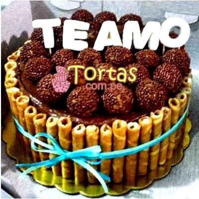 Tortas.com.pe - Torta Candy 04 - Codigo:TAA04 - Detalles: Espectacular torta a base de keke De Vainilla ba�ado con manjar . Contiene dulces segun imagen bastones dulces a los costados y caramelos surtidos en la parte superior. Tama�o de la torta: 15cm de diametro  - - Para mayores informes llamenos al Telf: 225-5120 o 476-0753.