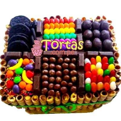 Tortas.com.pe - Torta Candy 05 - Codigo:TAA05 - Detalles: Espectacular torta a base de keke De Vainilla ba�ado con manjar . Contiene dulces segun imagen bastones dulces a los costados y caramelos surtidos en la parte superior. Tama�o de la torta: 20cm x 30cm  - - Para mayores informes llamenos al Telf: 225-5120 o 476-0753.