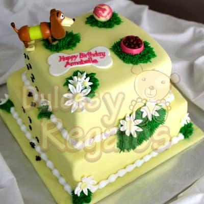 Desayunosperu.com - Torta de 2 pisos - Codigo:TMC01 - Detalles: Deliciosa torta hecha de mezcla especial para tu mascota canina a base de carne, manteca vegetal, huevo y especias. Medidas: Primer piso de 25cm x 25cm y segundo piso de 15cm x 15cm  Rinde aproximadamente para 35 invitados. Es importante indicar que la cobertura de la torta es a base de masa elastica, la cual  esta hecha de azucar y recomendamos sacar antes de servir a tu mascota ya que algunas razas podrian causar moderada indigestion si se come en grandes cantidades. Este pedido se deber� realizar m�nimo con 2 dias de anticipaci�n. - - Para mayores informes llamenos al Telf: 225-5120 o 476-0753.