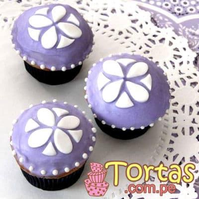 Muffins Sofia Princess 04 - Codigo:TSI04 - Detalles: 3 Muffins de vainilla ba�ados con manjar blanco y decorado con masa elastica. - - Para mayores informes llamenos al Telf: 225-5120 o 980-660044.