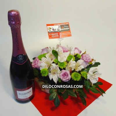 Arreglo de Rosas Importadas - Cod:VAT15