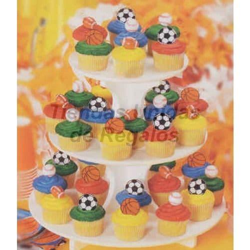 I-quiero.com - Torta Ni�o 83 - Codigo:WBE83 - Detalles: Estructura de tres niveles conteniendo. 34 muffins decorados.  Muffins de vainilla decorados con masa el�stica. - - Para mayores informes llamenos al Telf: 225-5120 o 476-0753.