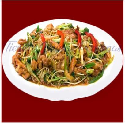 Tipakay con Tallarin con Pollo | Chifa a Delivery | Chifa platos a la Carta - Whatsapp: 980-660044