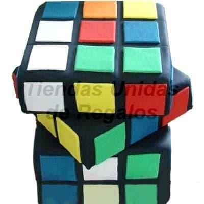 Torta Cubo Rubik - Codigo:WDA02 - Detalles: Delicioso queque De Vainilla en tres niveles,  , el decorado es a base de masa el�stica. Miden 20 x 20 cm c/u. y 18cm de altura segun cubo, La torta tiene 3 pisos - - Para mayores informes llamenos al Telf: 225-5120 o 4760-753.