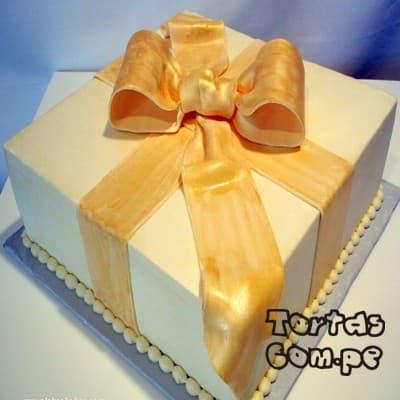 Torta  Regao Especial - Codigo:WDA13 - Detalles: Delicioso queque De Vainilla   y decorado finamente con masa el�stica, en forma de una cajita  de regalo decorado .Mide 20 x 20cm.  - - Para mayores informes llamenos al Telf: 225-5120 o 4760-753.