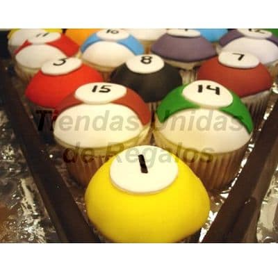 Muffin Art�stico 07 - Codigo:WMF07 - Detalles: 15 muffins finamente decorados con masa el�stica y figuras representativas de juego de billar. - - Para mayores informes llamenos al Telf: 225-5120 o 980-660044.