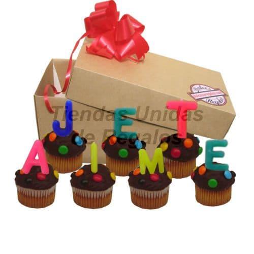 I-quiero.com - Muffin  Artistico 26 - Codigo:WMF26 - Detalles: 7 muffins, ba�ados de chocolate y finamente decorados con grageas, con  el mensaje