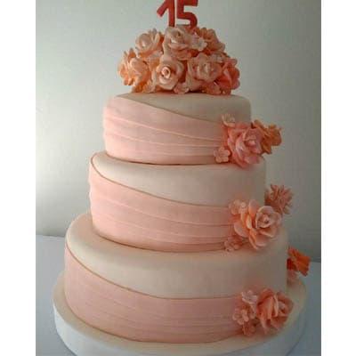 Torta quincea�era 24 - Codigo:WQC24 - Detalles: Deliciosa torta de keke De Vainilla   , ba�ada con manjar blanco y forrada con masa elastica con las siguientes medidas: 1er piso de 35cm de di�metro, 2do piso de 25cm de di�metro, 3er piso de 20cm de di�metro, rosas modeladas en azucar, incluye n�mero modelado - - Para mayores informes llamenos al Telf: 225-5120 o 4760-753.