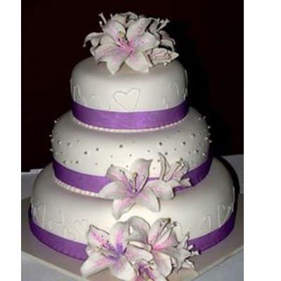 Torta quincea�era 28 - Codigo:WQC28 - Detalles: Deliciosa torta de keke De Vainilla   , ba�ada con manjar blanco y forrada con masa elastica con las siguientes medidas: 1er piso de 25cm de di�metro, 2do piso de 20cm de di�metro, 3er piso de 15cm de di�metro, dise�o seg�n imagen, flores naturales - - Para mayores informes llamenos al Telf: 225-5120 o 4760-753.