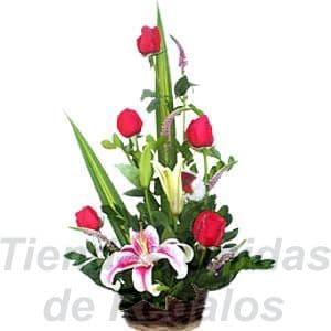Arreglo de Rosas con Lilium - Cod:XBR14