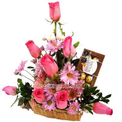 8 Rosas y Ferrero | Arreglos florales lima - Whatsapp: 980-660044