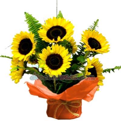 Arreglo de Flores con Girasoles - Whatsapp: 980-660044