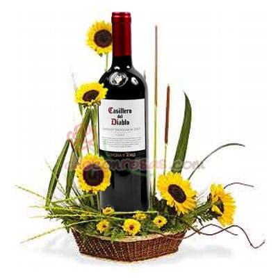 Arreglo floral con Girasoles - Whatsapp: 980-660044