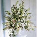 Arreglos Florales | Arreglo para Aniversario Flores Blancas y Melones - Cod:AGP06