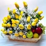 Arreglo de Frutas con Rosas | Arreglos de Frutas con Rosas - Cod:QFA01