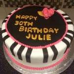 Torta cantante 23 | Tarta para un cantante | Diseños de torta de cumpleaños - Cod:SGG23